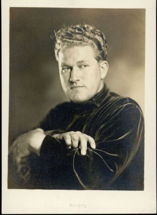 1939 STUDIO PORTRAIT OF AUGUST DERLETH BY EPHRAIM BURT TRIMPEY. August Derleth