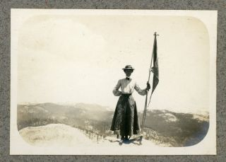 [Yosemite Valley; Northern and Central High Sierra; Mountains of Northern California and Oregon] Large collection of photographs of Yosemite, the High Sierra, and elsewhere in California and Oregon in five albums dated from 1903 to 1927.